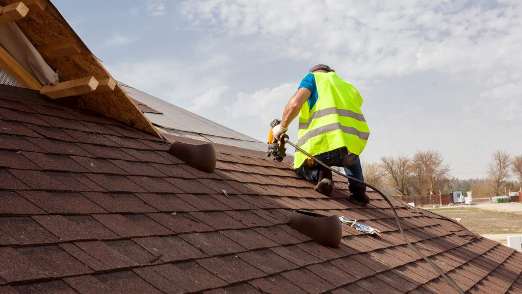 roof company working